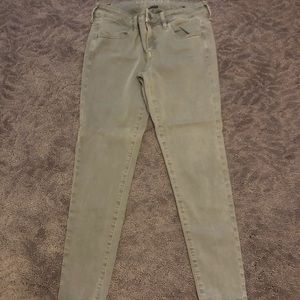 American Eagle green jeans / size 8 short